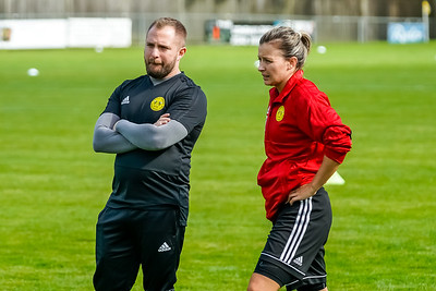 1909290045 -  Crawley Wasps Ladies Football Club  Oxford United WFC on September 29, 2019 at East Court, College Lane, RH19 3LS, East Grinstead. Photo: Ben Davidson, www.bendavidsonphotography.com