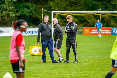 1909290061 -  Crawley Wasps Ladies Football Club  Oxford United WFC on September 29, 2019 at East Court, College Lane, RH19 3LS, East Grinstead. Photo: Ben Davidson, www.bendavidsonphotography.com