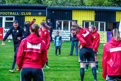 1909290010 -  Crawley Wasps Ladies Football Club  Oxford United WFC on September 29, 2019 at East Court, College Lane, RH19 3LS, East Grinstead. Photo: Ben Davidson, www.bendavidsonphotography.com