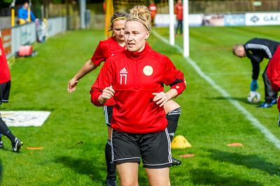 1909290042 -  Crawley Wasps Ladies Football Club  Oxford United WFC on September 29, 2019 at East Court, College Lane, RH19 3LS, East Grinstead. Photo: Ben Davidson, www.bendavidsonphotography.com