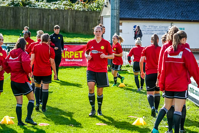 1909290029 -  Crawley Wasps Ladies Football Club  Oxford United WFC on September 29, 2019 at East Court, College Lane, RH19 3LS, East Grinstead. Photo: Ben Davidson, www.bendavidsonphotography.com