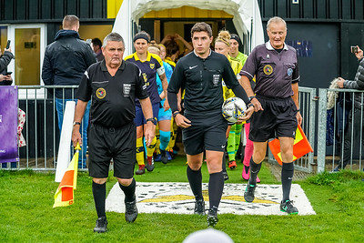 1909290090 -  Crawley Wasps Ladies Football Club  Oxford United WFC on September 29, 2019 at East Court, College Lane, RH19 3LS, East Grinstead. Photo: Ben Davidson, www.bendavidsonphotography.com