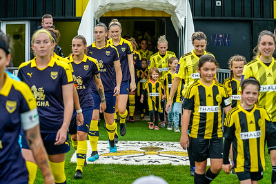 1909290094 -  Crawley Wasps Ladies Football Club  Oxford United WFC on September 29, 2019 at East Court, College Lane, RH19 3LS, East Grinstead. Photo: Ben Davidson, www.bendavidsonphotography.com