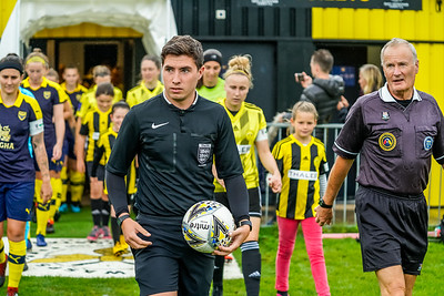 1909290092 -  Crawley Wasps Ladies Football Club  Oxford United WFC on September 29, 2019 at East Court, College Lane, RH19 3LS, East Grinstead. Photo: Ben Davidson, www.bendavidsonphotography.com