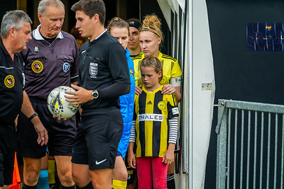 1909290089 -  Crawley Wasps Ladies Football Club  Oxford United WFC on September 29, 2019 at East Court, College Lane, RH19 3LS, East Grinstead. Photo: Ben Davidson, www.bendavidsonphotography.com