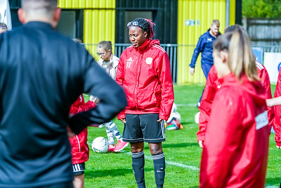 1909290013 -  Crawley Wasps Ladies Football Club  Oxford United WFC on September 29, 2019 at East Court, College Lane, RH19 3LS, East Grinstead. Photo: Ben Davidson, www.bendavidsonphotography.com