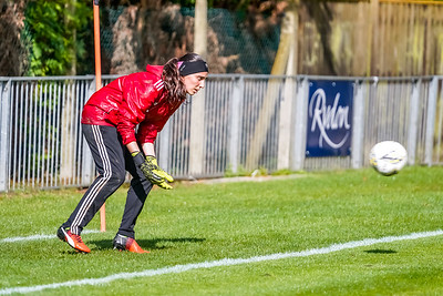 1909290025 -  Crawley Wasps Ladies Football Club  Oxford United WFC on September 29, 2019 at East Court, College Lane, RH19 3LS, East Grinstead. Photo: Ben Davidson, www.bendavidsonphotography.com