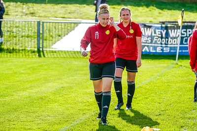 1909290032 -  Crawley Wasps Ladies Football Club  Oxford United WFC on September 29, 2019 at East Court, College Lane, RH19 3LS, East Grinstead. Photo: Ben Davidson, www.bendavidsonphotography.com