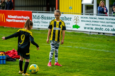 1909290069 -  Crawley Wasps Ladies Football Club  Oxford United WFC on September 29, 2019 at East Court, College Lane, RH19 3LS, East Grinstead. Photo: Ben Davidson, www.bendavidsonphotography.com