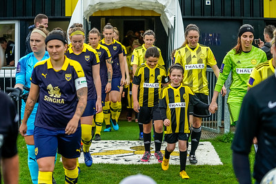 1909290093 -  Crawley Wasps Ladies Football Club  Oxford United WFC on September 29, 2019 at East Court, College Lane, RH19 3LS, East Grinstead. Photo: Ben Davidson, www.bendavidsonphotography.com
