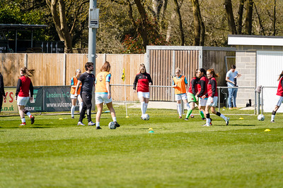 Crawley Wasps LFC 2 - 3 Gillingham Women
