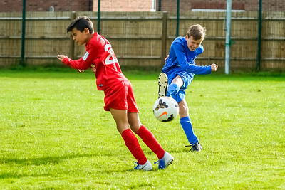 1909280011 -  Roffey Robins Atletico  Hurstpierpoint Colts on September 28, 2019 at North Heath Lane, RH12 5PJ, Horsham. Photo: Ben Davidson, www.bendavidsonphotography.com