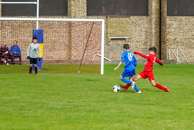 1909280055 -  Roffey Robins Atletico  Hurstpierpoint Colts on September 28, 2019 at North Heath Lane, RH12 5PJ, Horsham. Photo: Ben Davidson, www.bendavidsonphotography.com