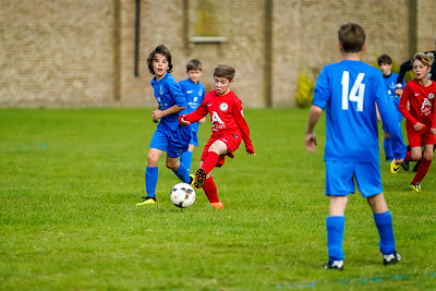 1909280038 -  Roffey Robins Atletico  Hurstpierpoint Colts on September 28, 2019 at North Heath Lane, RH12 5PJ, Horsham. Photo: Ben Davidson, www.bendavidsonphotography.com