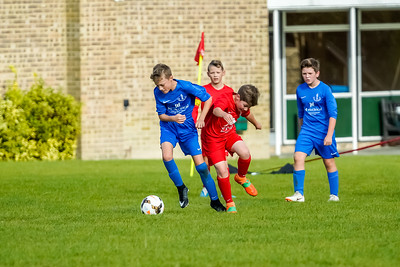 1909280051 -  Roffey Robins Atletico  Hurstpierpoint Colts on September 28, 2019 at North Heath Lane, RH12 5PJ, Horsham. Photo: Ben Davidson, www.bendavidsonphotography.com