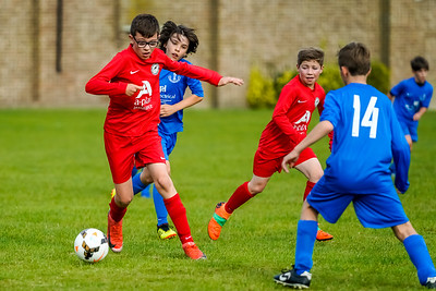 1909280039 -  Roffey Robins Atletico  Hurstpierpoint Colts on September 28, 2019 at North Heath Lane, RH12 5PJ, Horsham. Photo: Ben Davidson, www.bendavidsonphotography.com