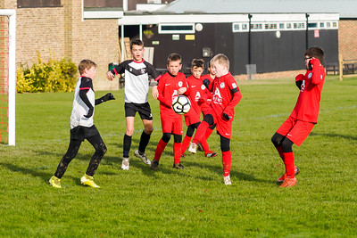 1911090073 -  Roffey Robins Atletico 5 v 3 Henfield on November 09, 2019 at The Holbrook Club, Horsham. Photo: Ben Davidson, www.bendavidsonphotography.com