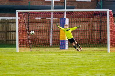 1911090072 -  Roffey Robins Atletico 5 v 3 Henfield on November 09, 2019 at The Holbrook Club, Horsham. Photo: Ben Davidson, www.bendavidsonphotography.com