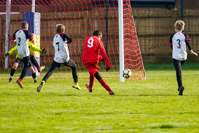1911090078 -  Roffey Robins Atletico 5 v 3 Henfield on November 09, 2019 at The Holbrook Club, Horsham. Photo: Ben Davidson, www.bendavidsonphotography.com