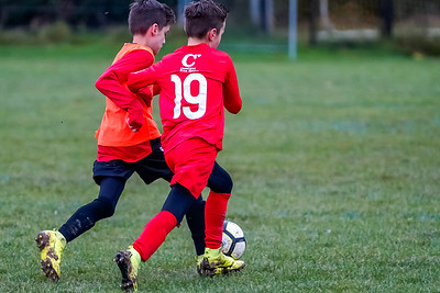 1912070035 -  Roffey Robins Atletico 4 vs 0 Southwater FC on December 07, 2019 at The Holbrook Club, North Heath Lane RH12 5PJ, Horsham. Photo: Ben Davidson, www.bendavidsonphotography.com