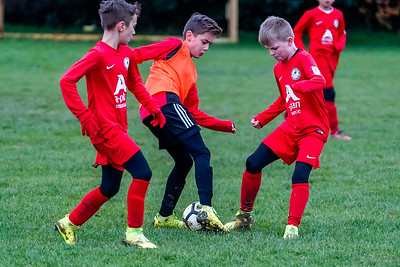 1912070034 -  Roffey Robins Atletico 4 vs 0 Southwater FC on December 07, 2019 at The Holbrook Club, North Heath Lane RH12 5PJ, Horsham. Photo: Ben Davidson, www.bendavidsonphotography.com
