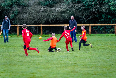 1912070013 -  Roffey Robins Atletico 4 vs 0 Southwater FC on December 07, 2019 at The Holbrook Club, North Heath Lane RH12 5PJ, Horsham. Photo: Ben Davidson, www.bendavidsonphotography.com
