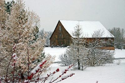 First snow of winter 2007-08 in Spearfish, South Dakota.  Jorgensen Park barn.