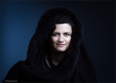 Inna, performer, folk singer of Yiddish, Russian and rootsy new American music (New York, 2015)