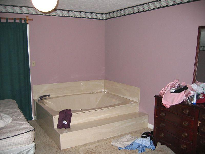Jacuzzi tub (didn't use)