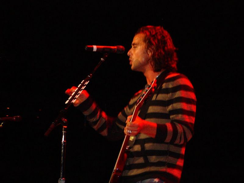 Gavin Rossdale's new band, Institute, was the opening act