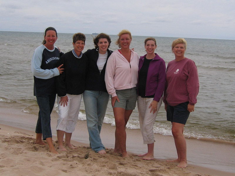 Teri, Pam, Kelly, Ginger, Mindy, and Mom