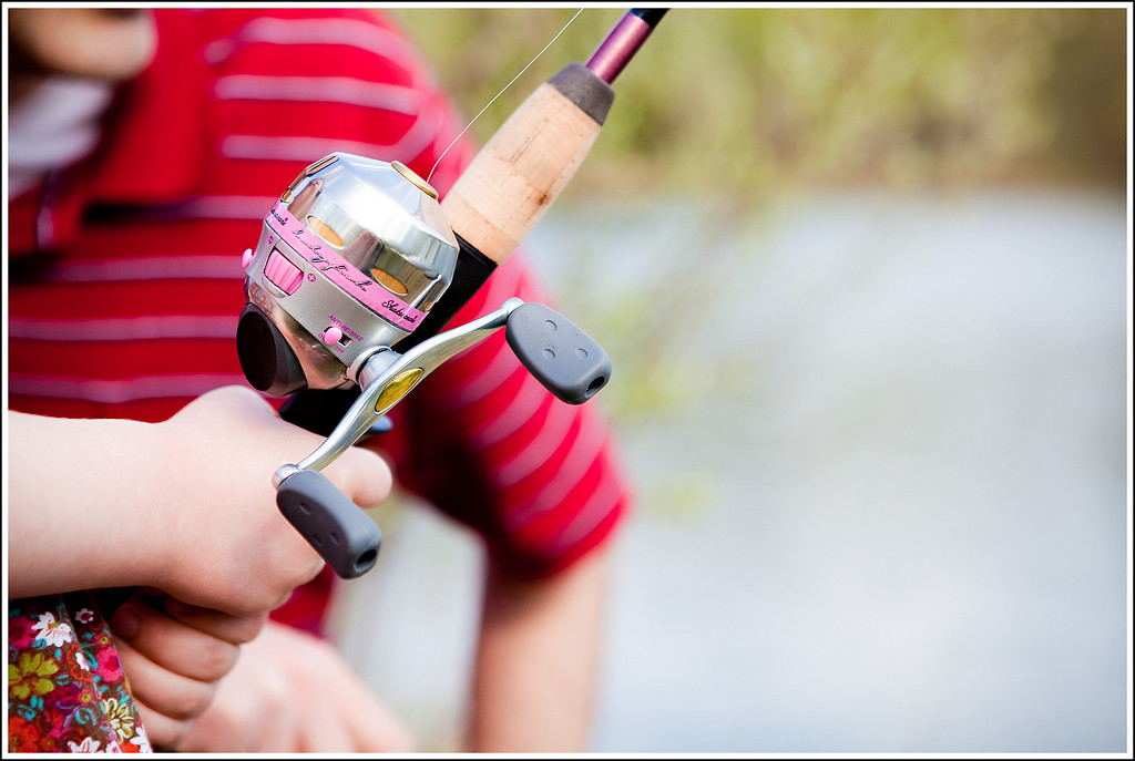 April 21, 2010 ~ Nice Shakespeare reel with stylish pink accents :) ... should last her a long time!