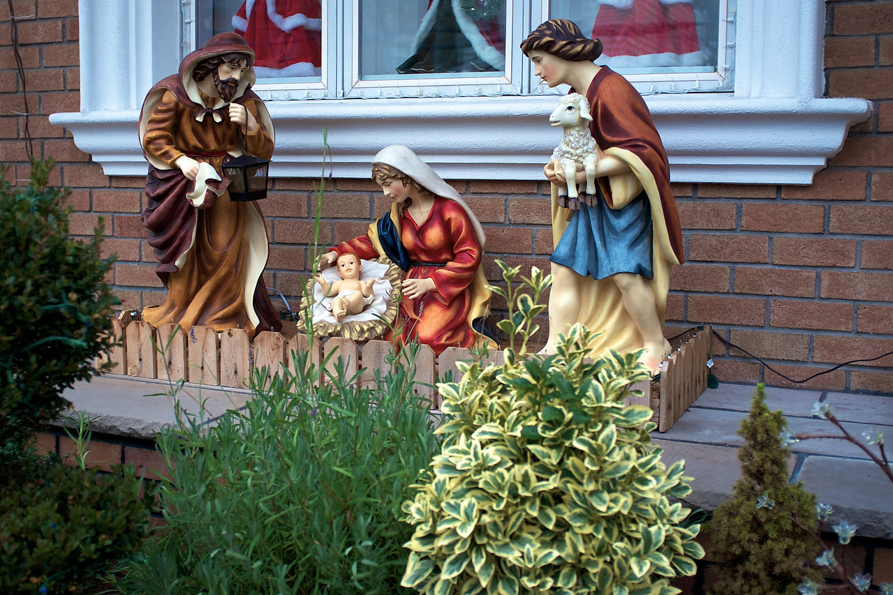 queens-nativity-scene