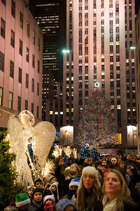 rockefeller-center-christmas-tree-faces