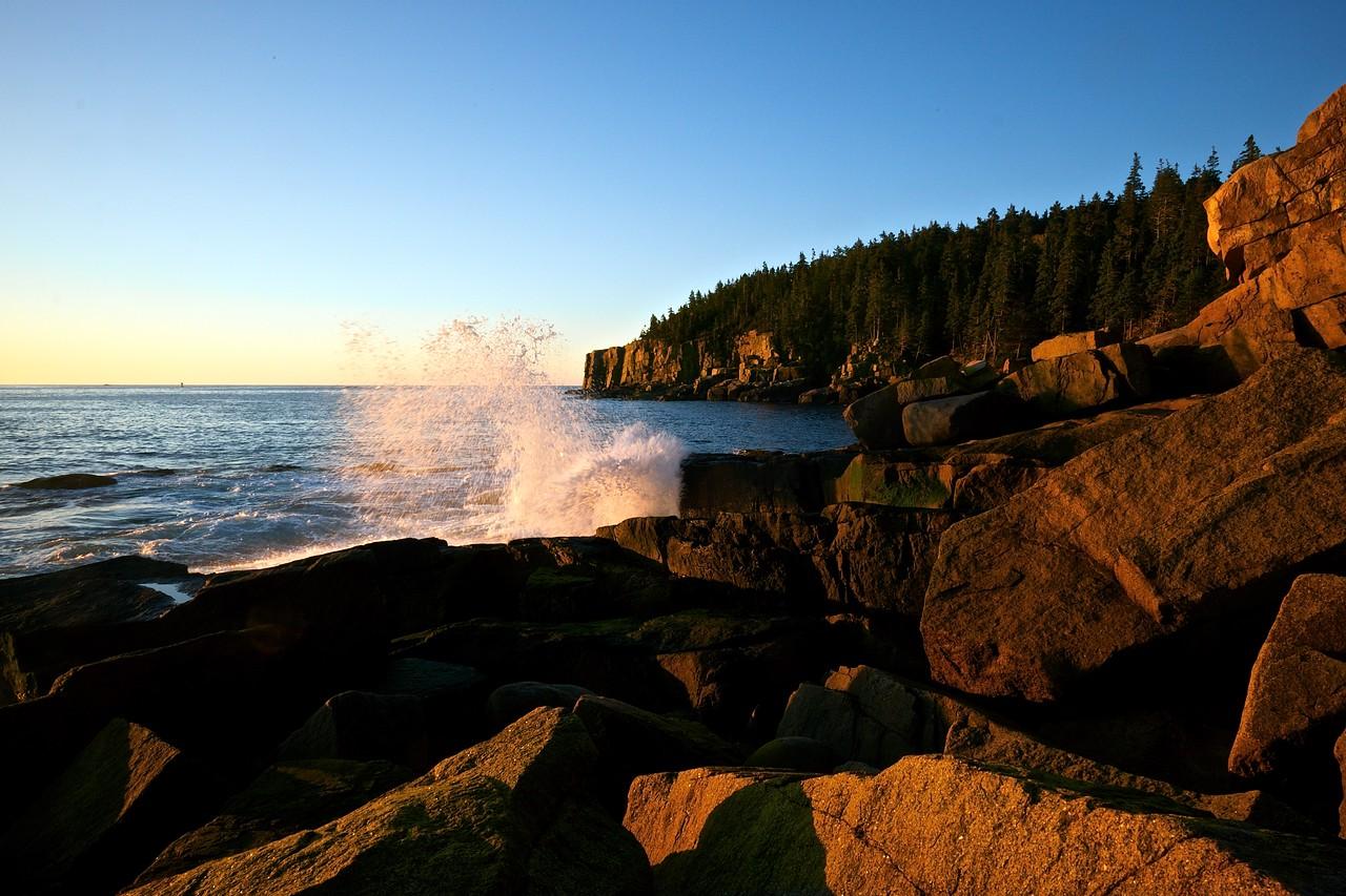 Otter Cliffs Splash