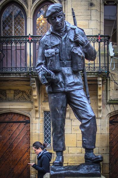 Lest we forget: Durham Light Infantry Memorial statue (by Alan Herriot) @ Durham Market Place - Durham, England, UK