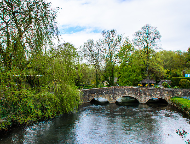 B4425 Bridge over River Coln - Bibury, Gloucestershire, England, UK