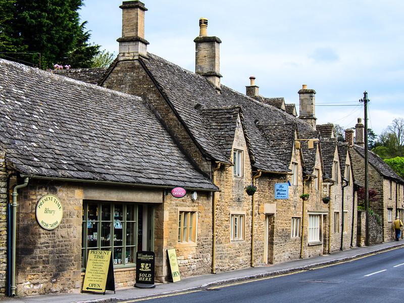 Present Time Gift Shop, Post Office & Williarm Morris B&B - Bibury, Gloucestershire, England, UK
