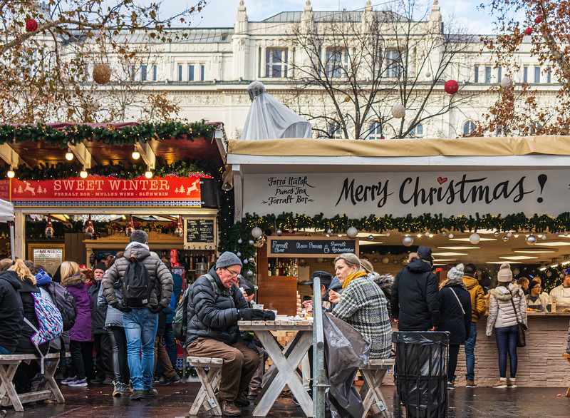 Eating outdoors @ Christmas Market on Vörösmarty tér - Budapest, Hungary