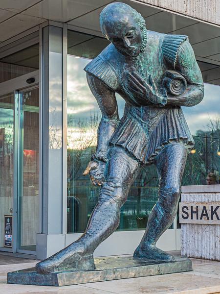 Shakespeare Statue c. 2003 - Budapest, Hungary