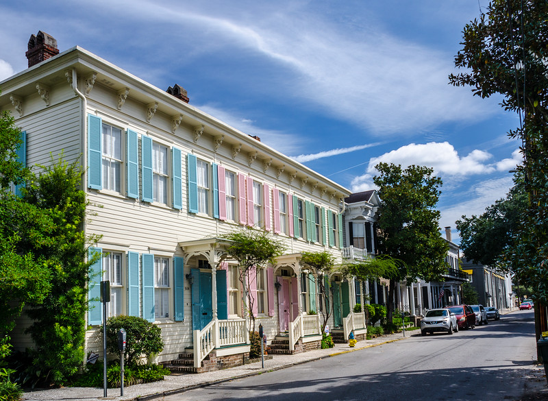 Rainbow Row @ 508 E Bryan St on Washington Square - Savannah, GA