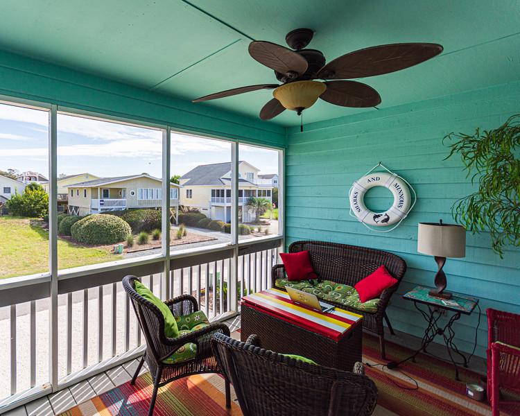 Cozy Front Porch - Sunset Beach, NC, USA