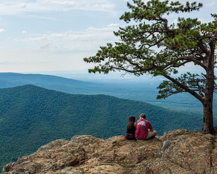 Couple - Ravens Roost Overlook @ MP 10.7 on the Blue Ridge Parkway - Lyndhurst, VA, USA