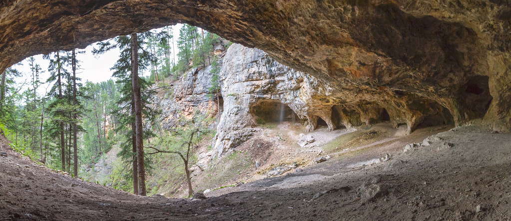 Community Caves in Spearfish Canyon