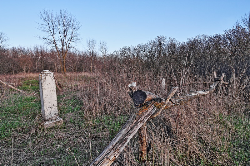 Roy Cemetery in Sica Hollow State Park