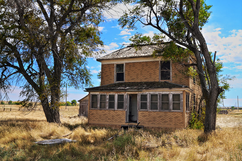Abandoned house in the town of Ardmore