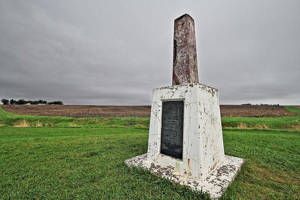Tri-State marker east of Sioux Falls - South Dakota, Minnesota, and Iowa