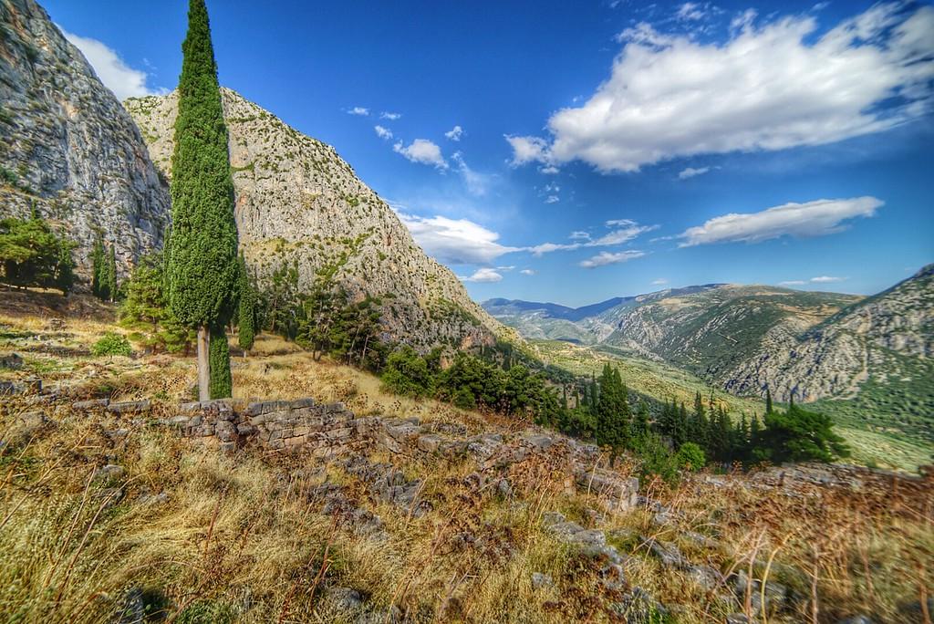 Delphi hill