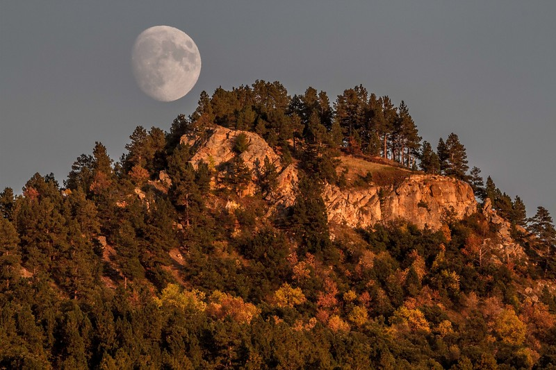 Moonrise over Lookout Mountain in Spearfish
