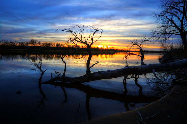 Sunset over the Missouri River along the Lewis and Clark Trail near Pierre